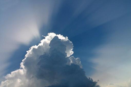 太陽の力を借りて副業可能!今すぐしたいソーラー発電の副業とは?
