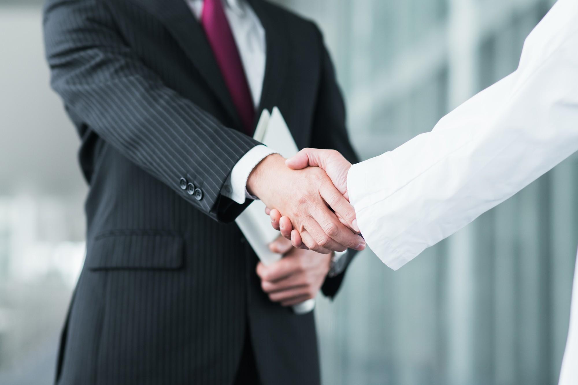 企業と顧問を繋げる。レイスマネジメントソリューションズ株式会社